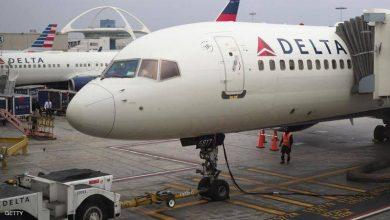 راكب يقفز من طائرة في مطار لوس أنجليس - أخبار السعودية