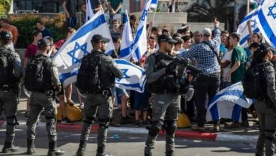 """ردا على هتافات المستوطنين في القدس.. وسم """"عرب"""" يتصدر مواقع التواصل الاجتماعي"""