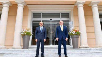 سفير الكويت في باريس يسلم رسالة من وزير الخارجية الى نظيره في موناكو