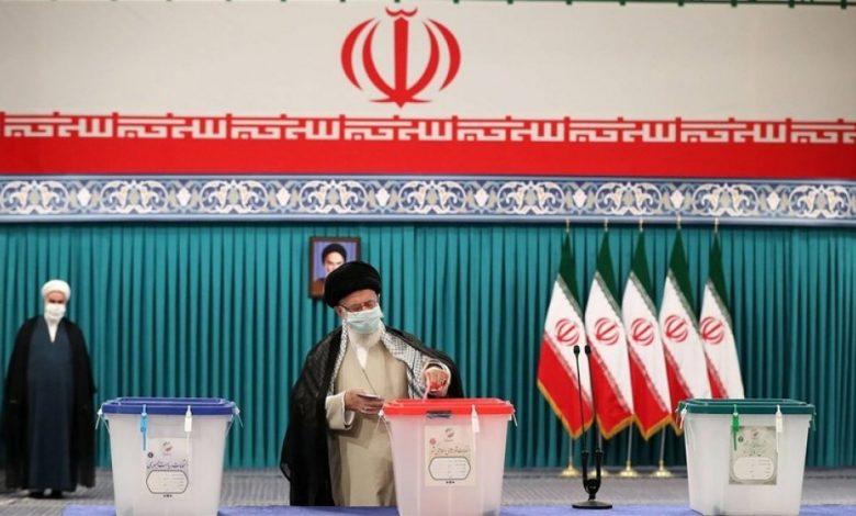 مع انطلاق السباق الانتخابي .. المرشد الإيراني يدعو لمشاركة واسعة .