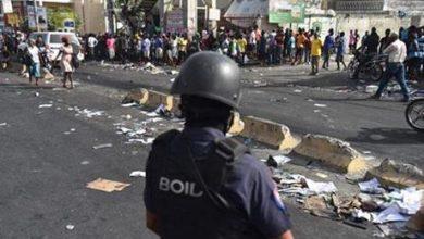 هايتي : عصابات تقتحم مراكز الشرطة للاستيلاء على الأسلحة