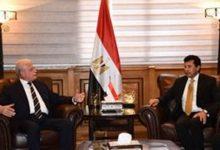 وزير الشباب والرياضة يلتقي محافظ جنوب سيناء لبحث تطوير مضمار الهجن