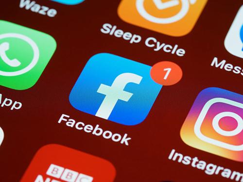 وفقاً للإحصائيات - 20 تطبيق هم الأسوأ في استنزاف بطارية هاتفك