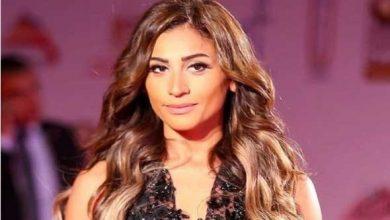 الفنانة دينا الشربيني تشارك متابعيها تمارينها الشاقة في الجيم
