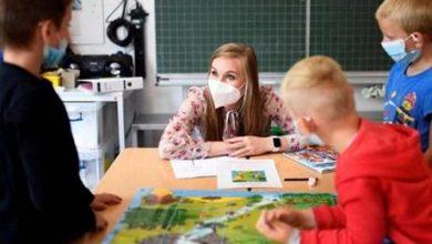 توصية أميركية بارتداء الأطفال الكمامات في المدارس