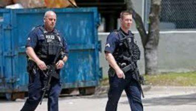 عنصران من الشرطة الأمريكية