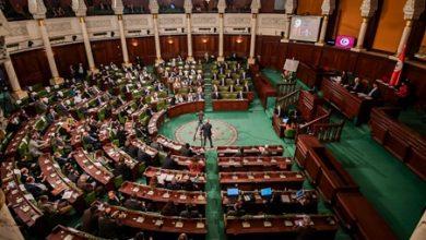 في بث مباشر.. الجيش التونسي يمنع الغنوشي وبرلمانيين من دخول المجلس التشريعي