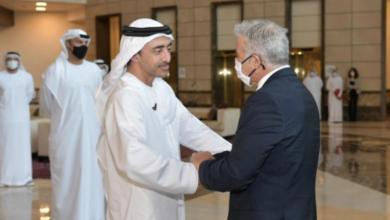 مناقشات بين وزيري خارجية الإمارات وإسرائيل لتعزيز العلاقات المشتركة .
