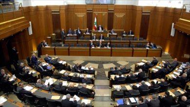 ميقاتي يفوز بأغلبية الأصوات اللازمة لتكليفه بتشكيل حكومة جديدة في لبنان