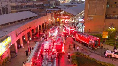 فرق الإطفاء تسيطر على حريق اندلع في ستة محلات تجارية بسوق المباركية