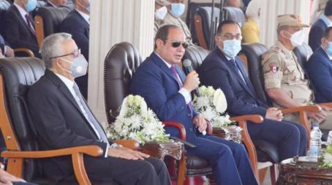 Sisi'den güvenlik güçlerinin terörizmi ve kaosu engellemedeki rollerine övgü