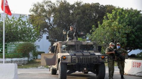 Tunus Cumhurbaşkanı, İçişleri Bakanlığı görevini vekaleten yürütmek üzere Cumhurbaşkanlığı Güvenlik Direktörü'nü görevlendirdi