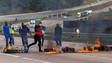 Violence Spreads to South Africa's Economic Hub in Wake of Zuma Jailing