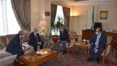 أبو الغيط يبحث مع وزير الخارجية الجزائري تحضيرات القمة العربية القادمة