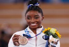 أولمبياد طوكيو.. «مريضة الجمباز» تأسر القلوب وتكسب تعاطف الكبار