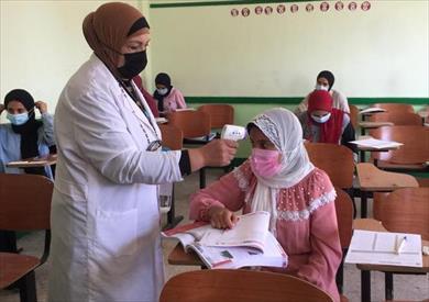 تقديم الخدمات الطبية لـ500 طالب من طلاب الثانوية ببورسعيد والأقصر