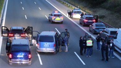 القبض على رجل مسلح بسكين احتجز 3 رهائن في حافلة ركاب جنوب ألمانيا