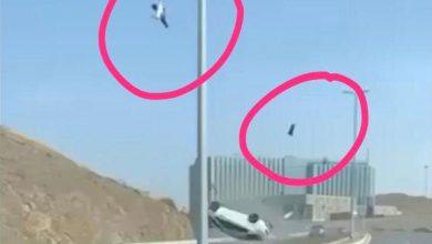 انقلاب مركبة وقائدها يطير في الهواء.. حادث مروّع ينهي حياة طالب في جدة