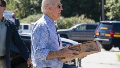 بتوزيع الشطائر.. الرئيس الأميركي يحتفل بعيد العمال