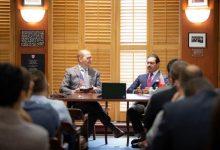 سفير مملكة البحرين لدى الولايات المتحدة الأمريكية يشارك في لقاء حواري بمركز بلفر التابع لكلية كندي بجامعة هارفرد