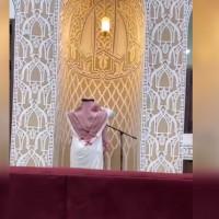 شاهد.. كابتن الاتحاد الأسبق سعد بريك يؤذن للصلاة بأحد المساجد