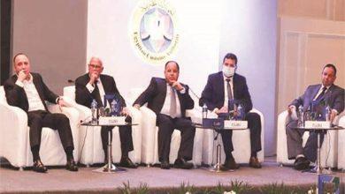 وزير المالية خلال رئاسته لأحد مؤتمرات شرح منظومة التسجيل المسبق للشحنات «ACI»
