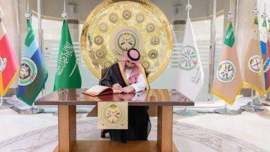 نائب وزير الدفاع يتفقد قيادة القوات البرية - أخبار السعودية