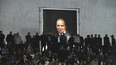 """عشرون عاما من حكم الرئيس الجزائري السابق.. فساد هائل وحلم """"الموت رئيسا"""""""